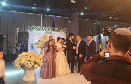 ענבי הגפן בענבי הגפן – ביתו של הרב לוגסי התחתנה